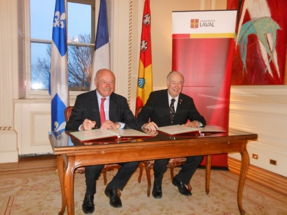 \\region.intra\Fichiers\Data\Cabinet\Groupes\Presse\Interne\1 - Communiqués de presse\EUROPE & INTERNATIONAL\Québec\Québec février 2017\Signature lettre d'intention Université Laval\Photos\DSCN0005.JPG
